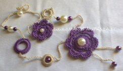 collana uncinetto con fiori e perle