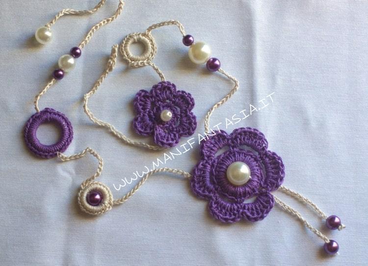 collana uncinetto con fiori e perle schema