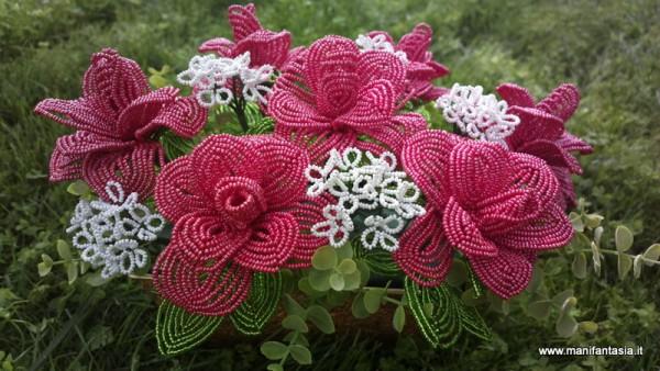 rose rosse di perline per la mamma