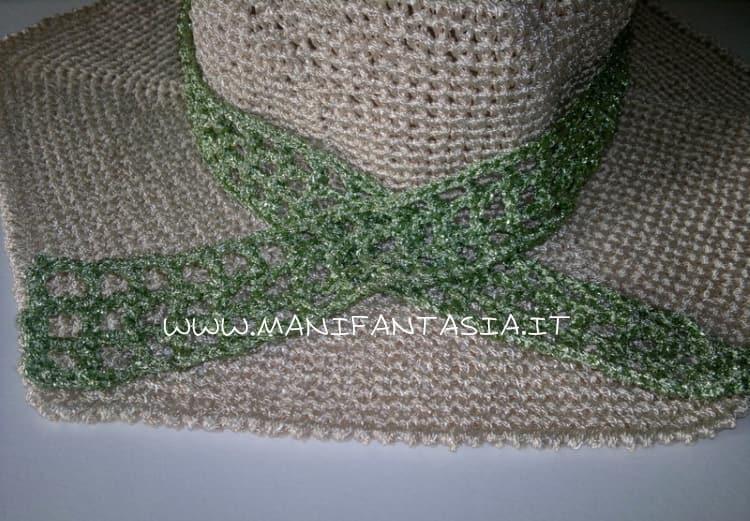 cappello uncinetto estivo decorazioni a rete