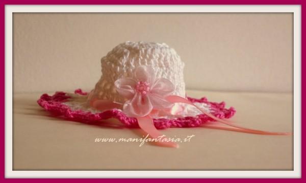 bomboniere uncinetto a forma di cappellino