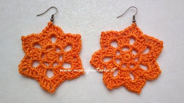 orecchini uncinetto stella arancioni