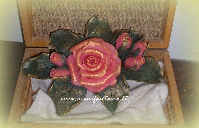 rose in pasta di mais festa della mamma