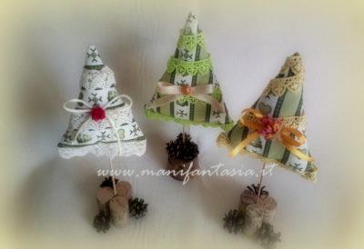 decorazioni natalizie fai da te alberelli di stoffa