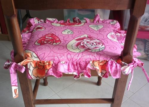 Come fare cuscini per sedie tutorial facile manifantasia - Cuscini per sedia ...