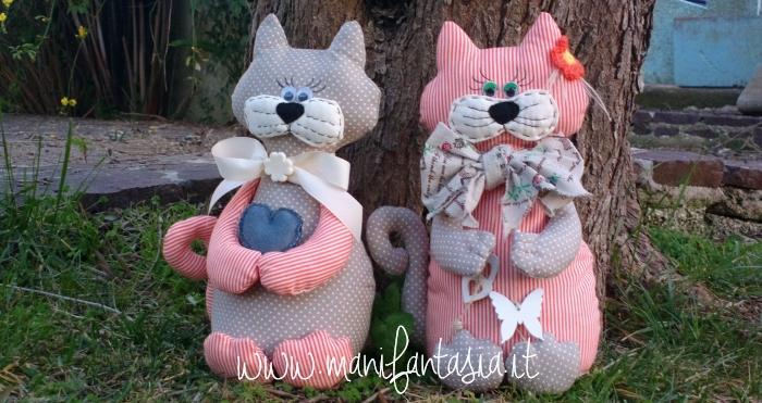 Gatti fermaporta stoffa fai da te modelli tutorial for Cucito creativo gatti