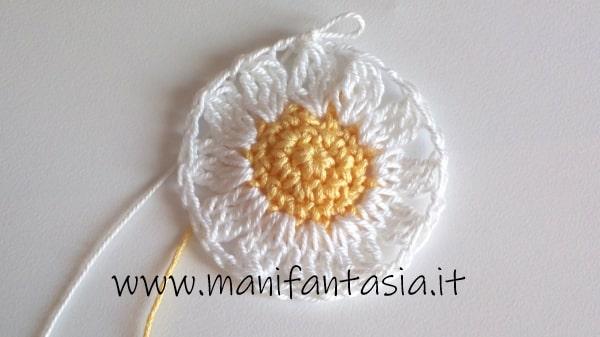 daisy granny square tutorial