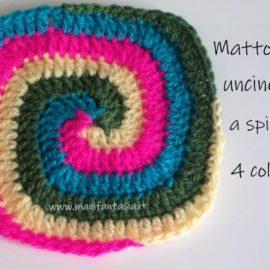 mattonella uncinetto a spirale quadrata