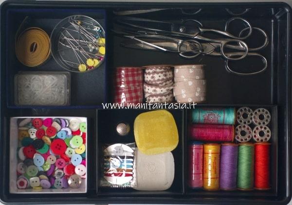 come fare una scatola per il cucito kit indispensabile