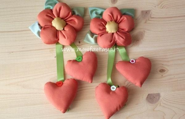 fiori di stoffa imbottiti per decorazioni