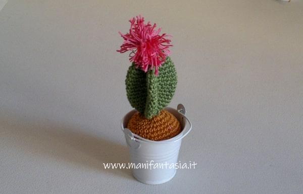 cactus uncinetto con fiore tutorial