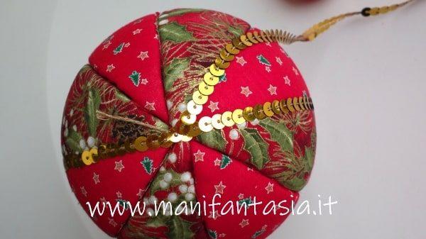 decorare sfere di polistirolo con le paillettes
