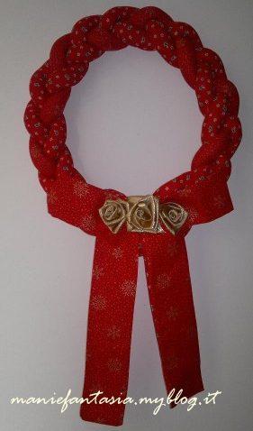 ghirlande natalizie fatte a mano di stoffa