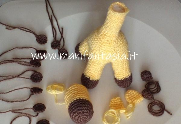 giraffa su quattro zampe uncinetto