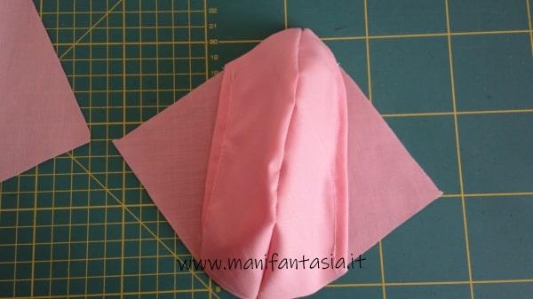 tutorial come cucire una mascherina di stoffa senza modello (23)