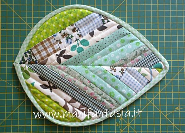 cucire una presina patchwork a forma di foglia