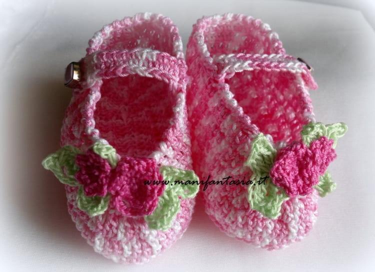 cappellino e scarpette neonato ad uncinetto di cotone