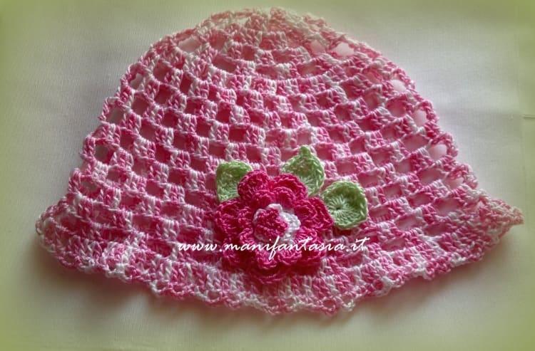 cappellino e scarpette neonato ad uncinetto estivo