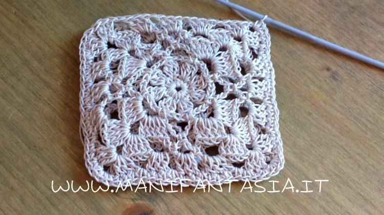 sacchetto porta confetti crochet con mattonelle
