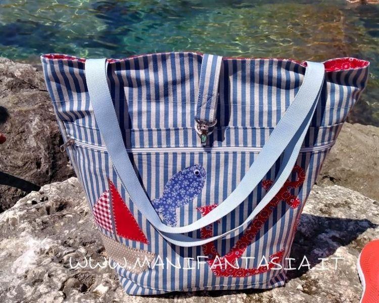 borsa da spiaggia con applicazioni