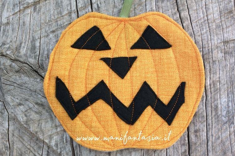 presina di stoffa zucca di halloween spiegazioni