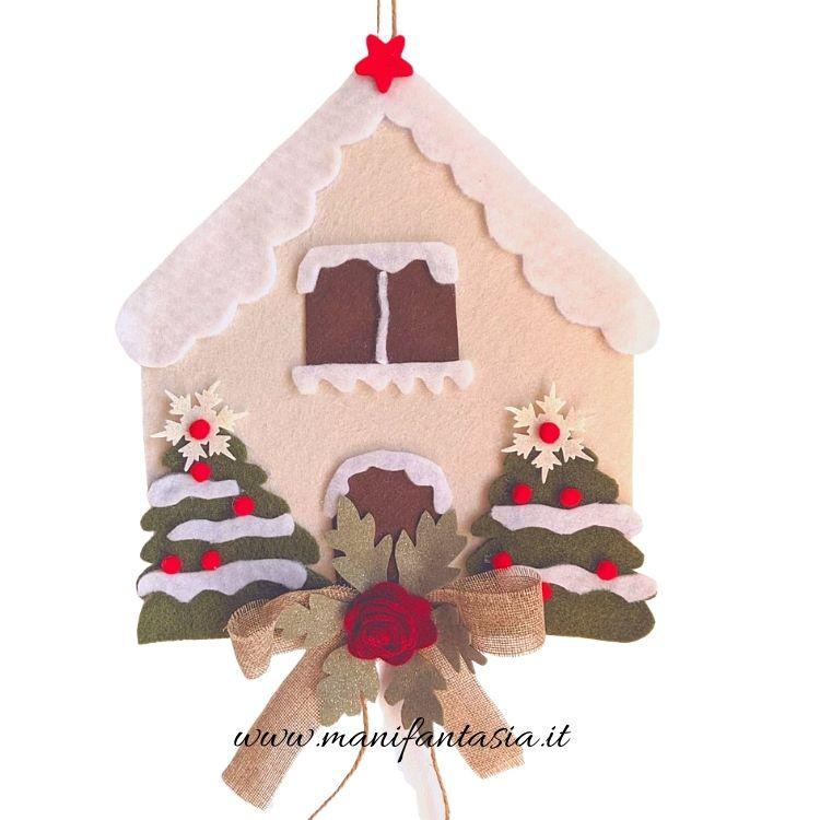 casetta natalizia in feltro fai da te