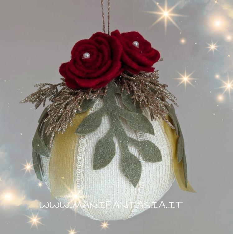 palline natalizie di polistirolo con il tubolare di maglina