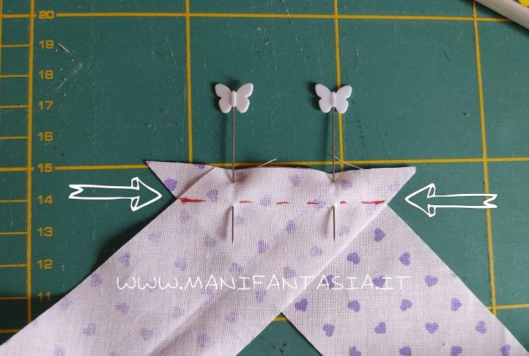 posizionare le strisce di sbieco ad angolo retto