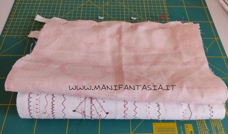 astuccio di stoffa con i cordoncini e bottoni step 10