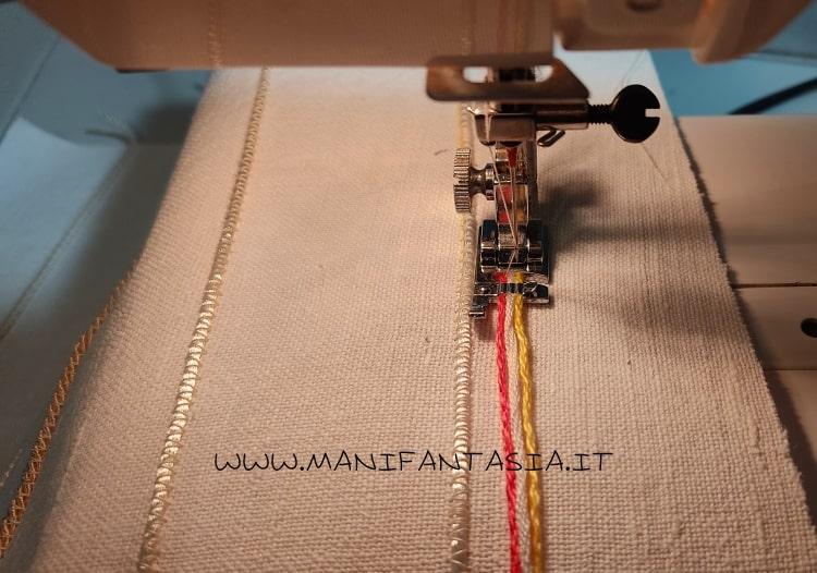 astuccio di stoffa con i cordoncini e bottoni step 3