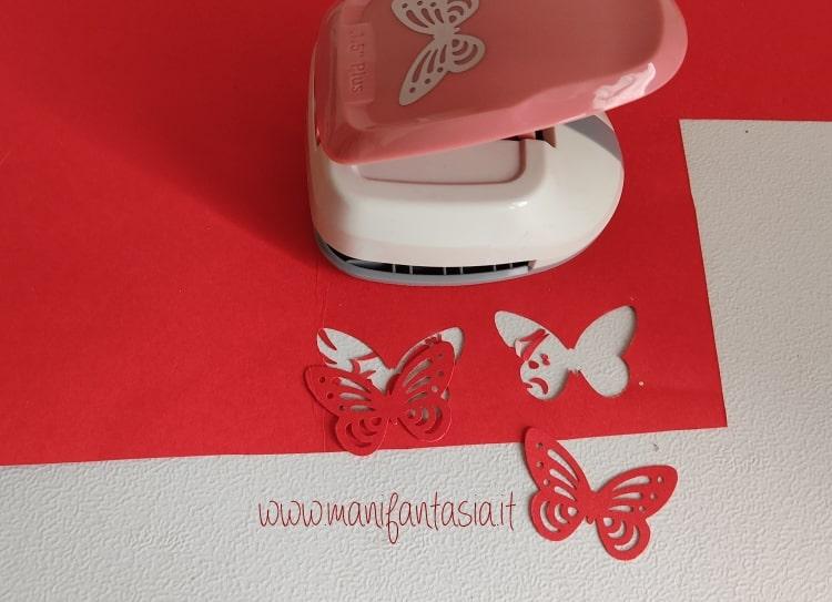 farfalle di carta con fustellatrice