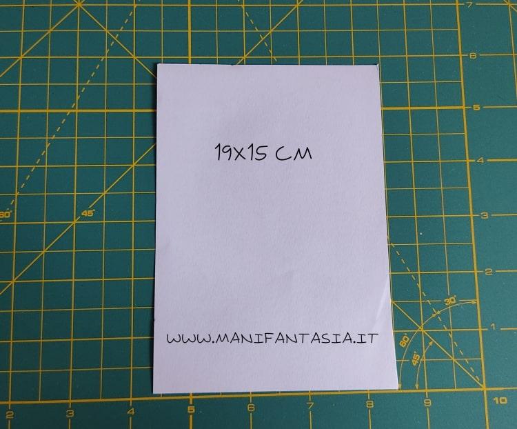 come piegare la carta modello base 5 petali step 1