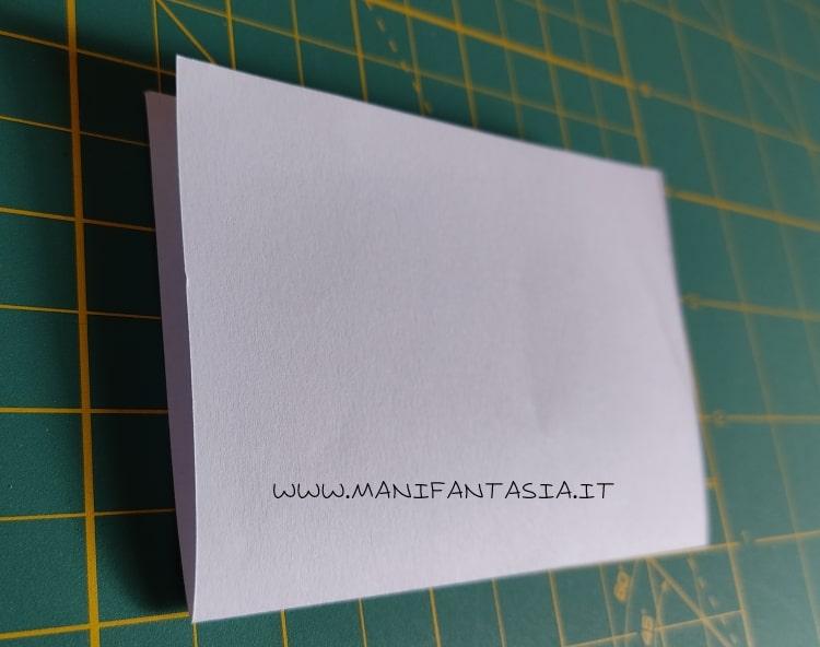 come piegare la carta modello base 5 petali step 2