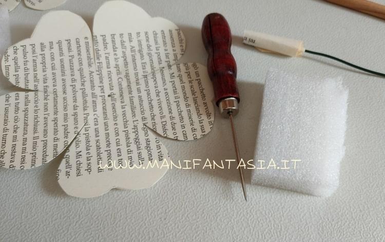 creare con poco-rose con carta di vecchio libro
