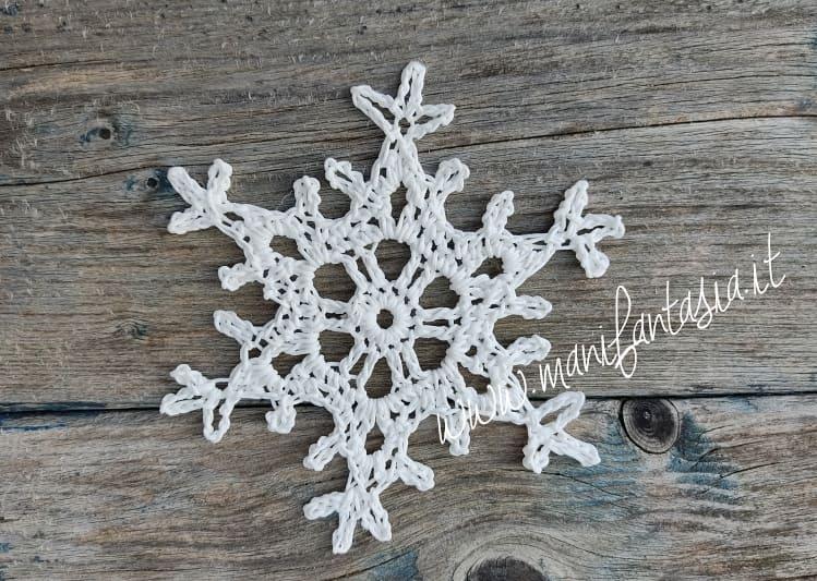 Stellina fiocco di neve ad uncinetto facilissima