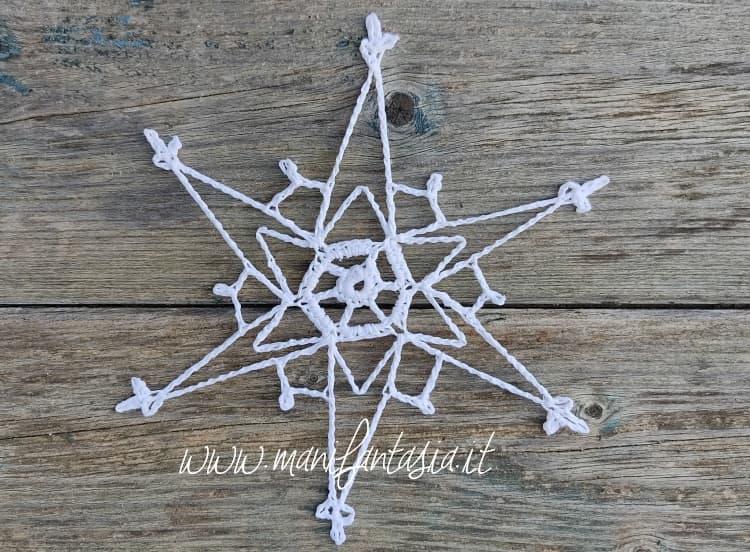 stella cristalli di ghiaccio all'uncinetto schema